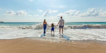 What is a Virtual Assistant - PA Tasks - Family on Beach