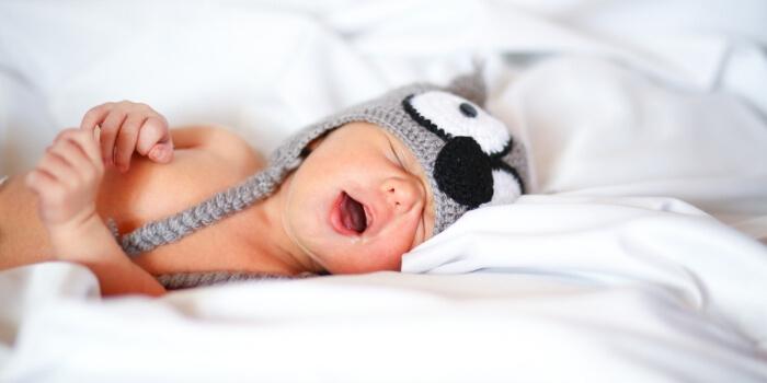 Child Sleep Consultant NewBorn Yawning